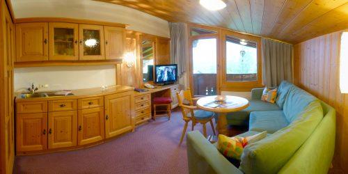 Wohnzimmer Suite Alpenhof Obsteig - Sonnenplateau Mieming