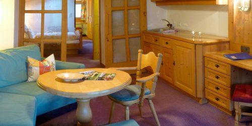 Alpenhof Obsteig - Sonnenplateau Mieming- Wohnzimmer Suite