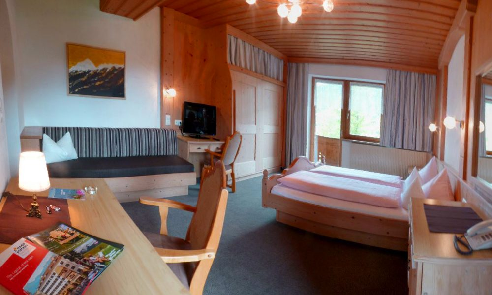 Zimmer mit 2 Balkone, Wohlfühlpension Alpenhof Obsteig - Sonnenplateau Mieming